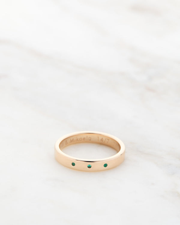 Ben Ring 4 mm with Green Emeralds
