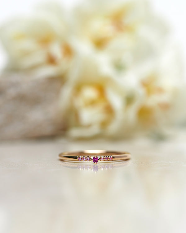 Finished: Tiny Little Sparkle Ring with a Hot Pink Sapphire and Light Pink Sapphires