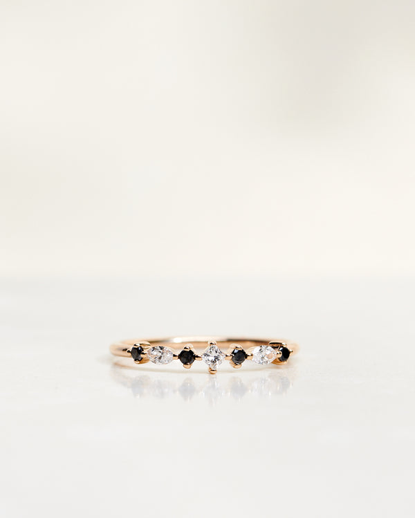 Hilda Ring with Diamonds and Black Brilliants