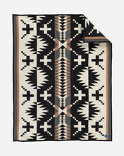 Load image into Gallery viewer, Pendleton Spider Rock Throw Blanket