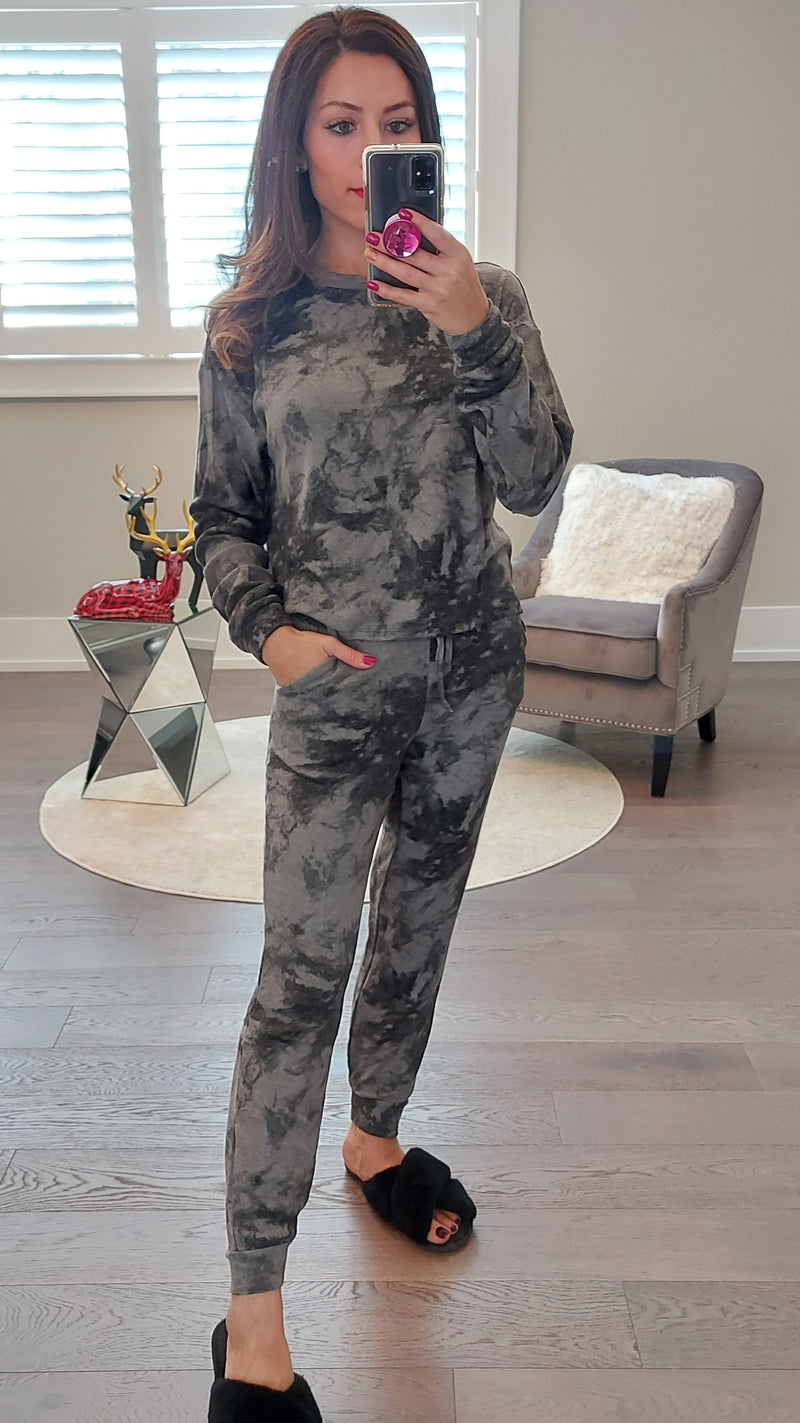 Grey Tie Dye Lounge Set - Top & Joggers - OWN YOUR ELEGANCE