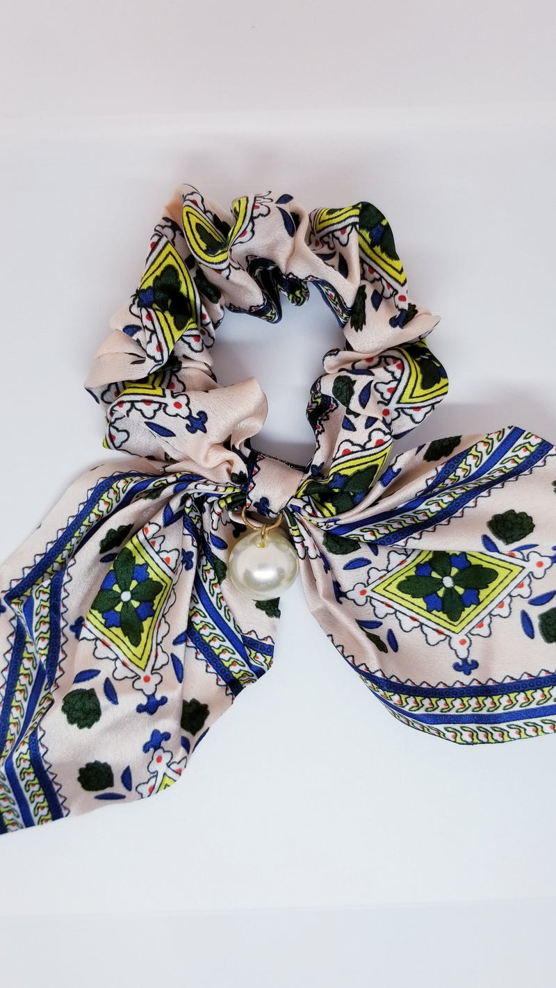 Sweden Pearl Scrunchie - OWN YOUR ELEGANCE