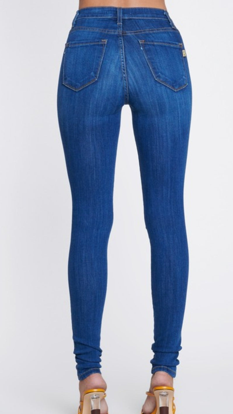 Classic Blue Jeans - OWN YOUR ELEGANCE
