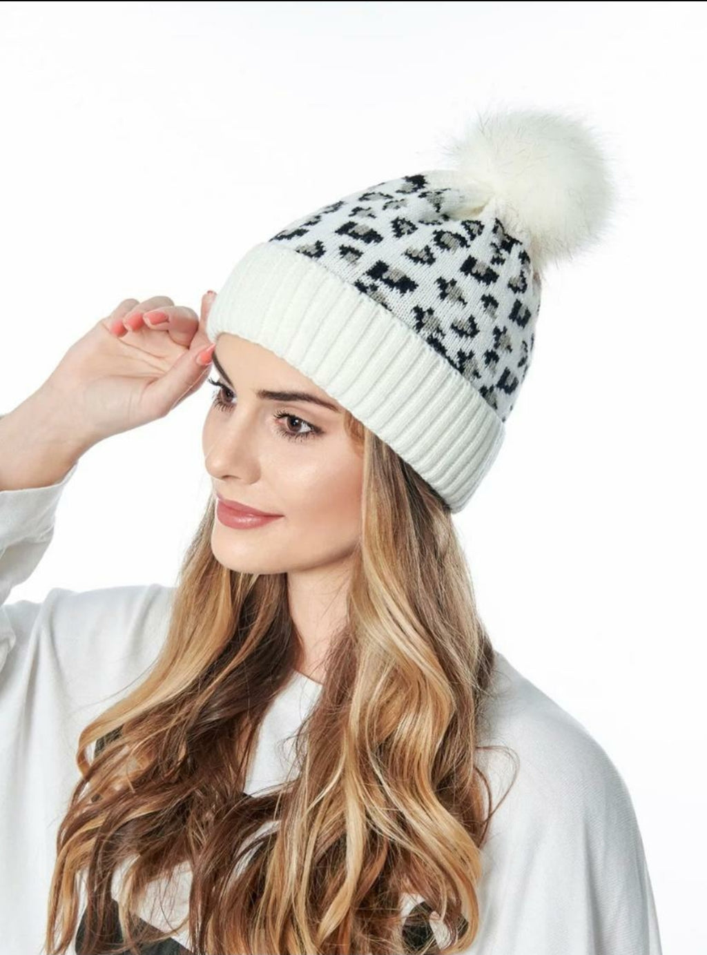 Adult Leopard Beanie - White - OWN YOUR ELEGANCE