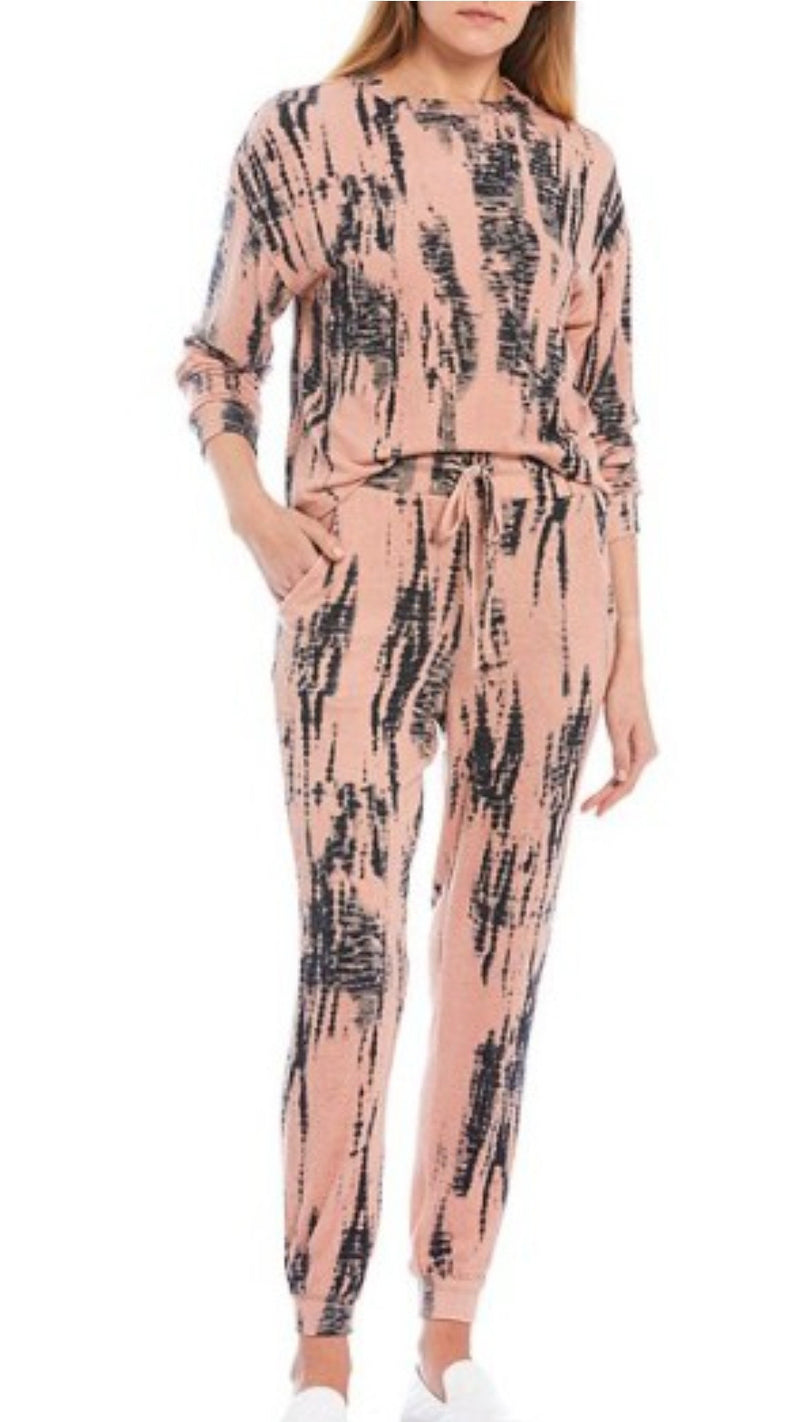 Peach Tie Dye Lounge Set -Top & Joggers - OWN YOUR ELEGANCE