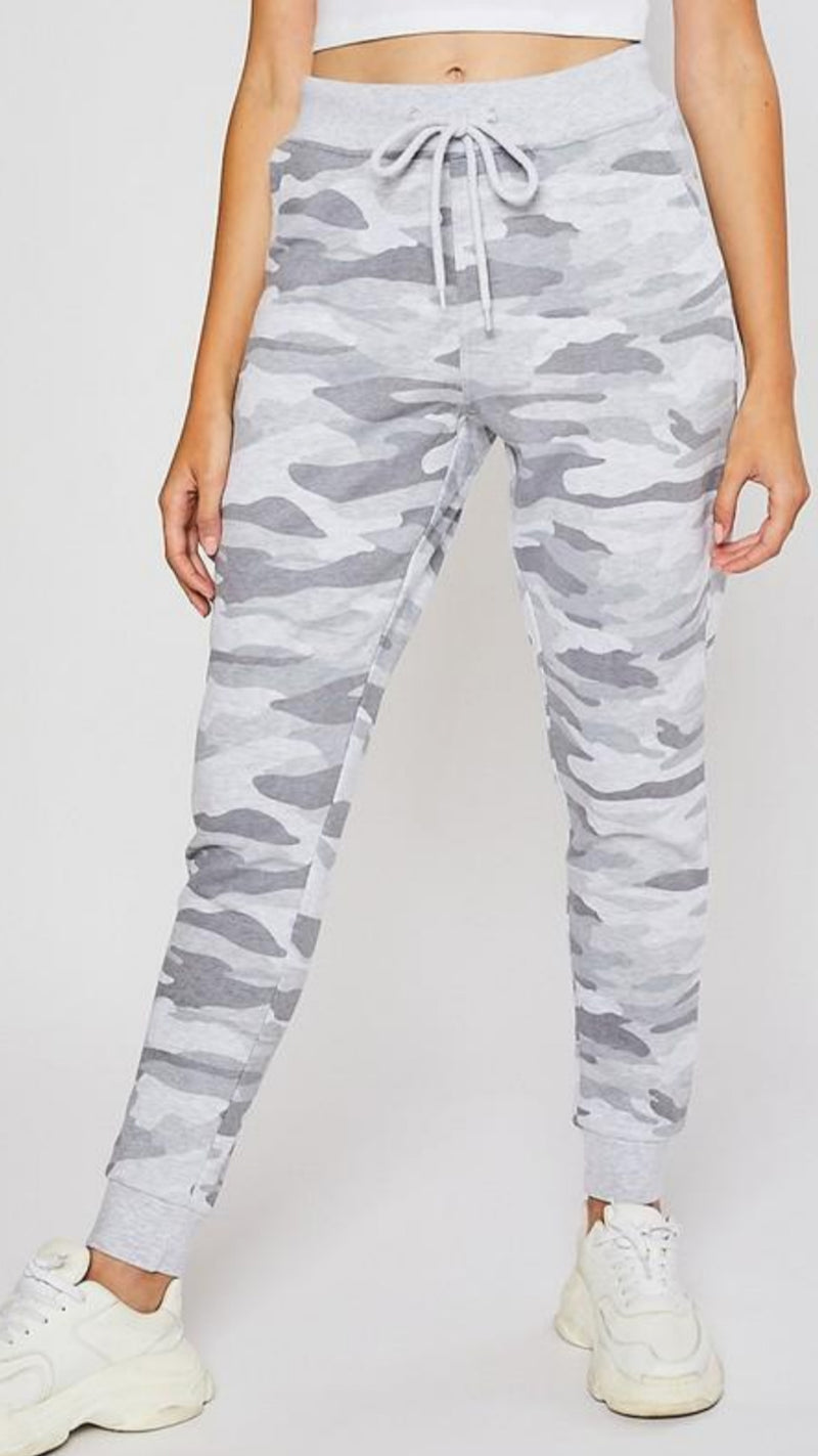 Relaxed Fit Jogger - Light Grey Camo - OWN YOUR ELEGANCE