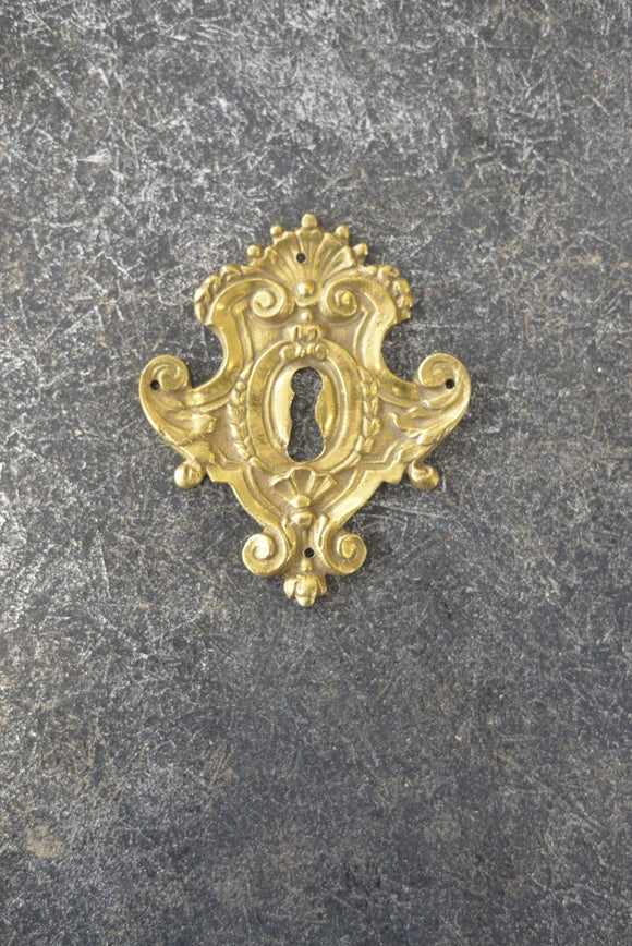 E5 - Neo Classical Scroll Escutcheon