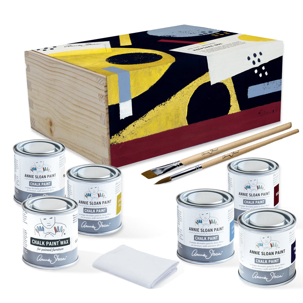 The-Artist-Box-and-contents-image-1.jpg