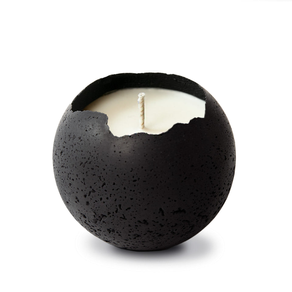 Concrete candle in black