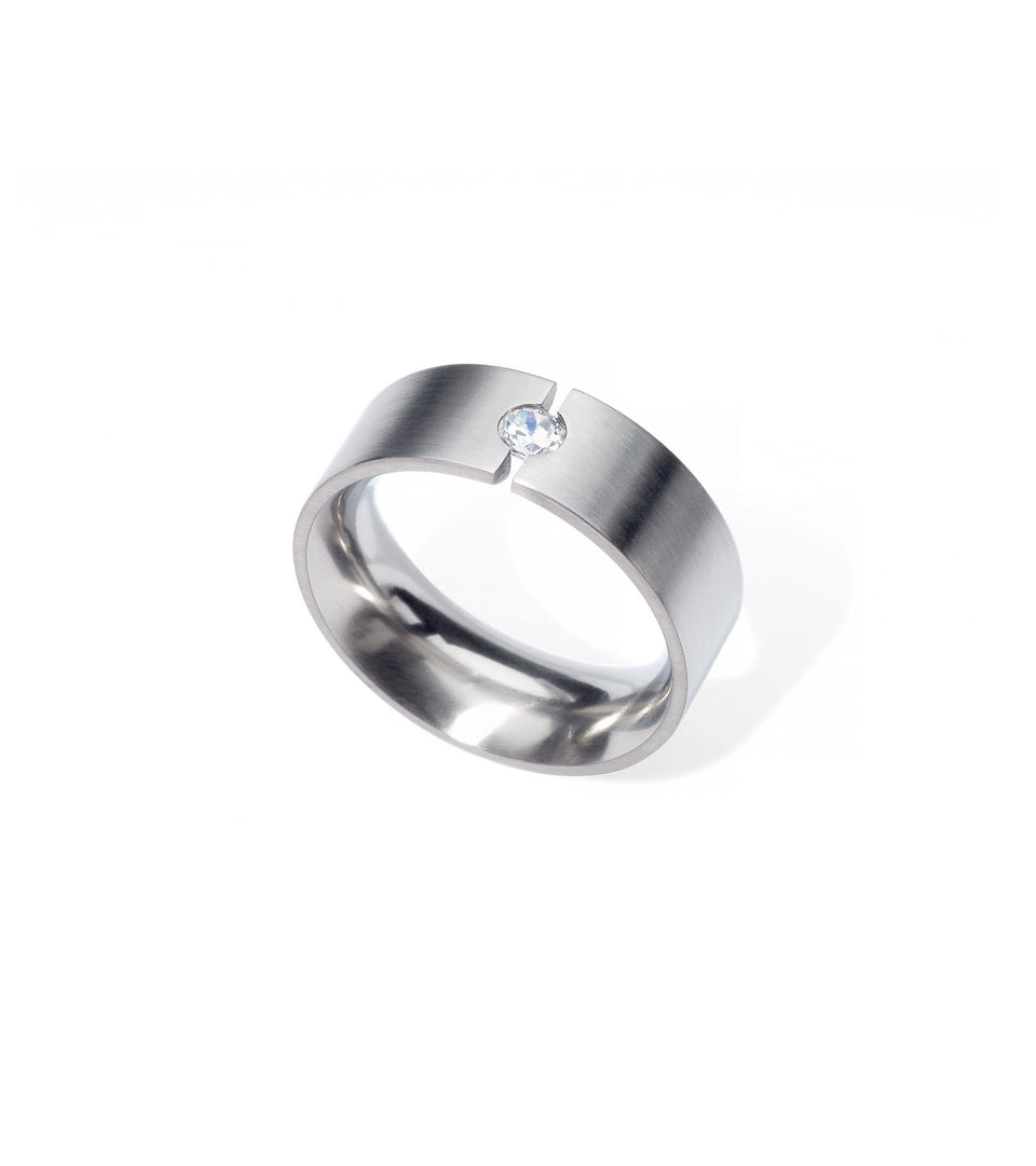 KMr128d Facet Engagement Ring