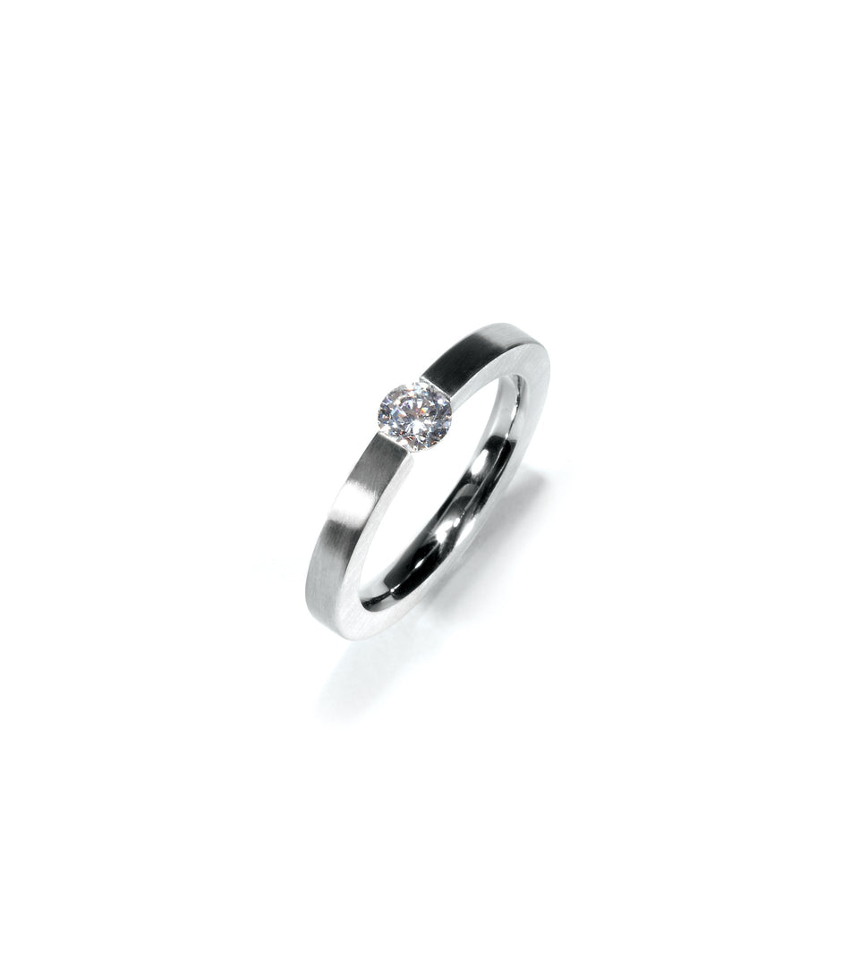 KMr153d Facet Engagement Ring