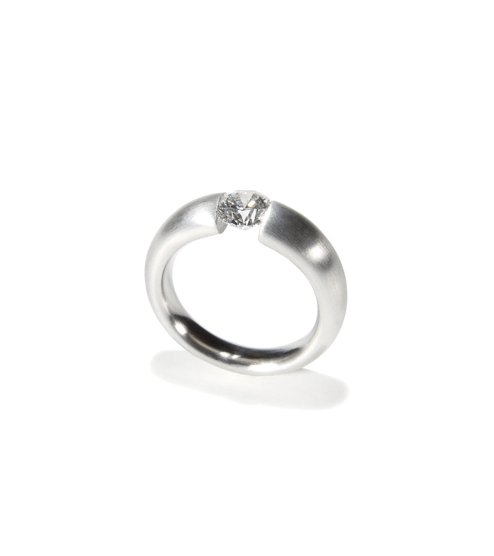 KMr164dp Facet Engagement Ring