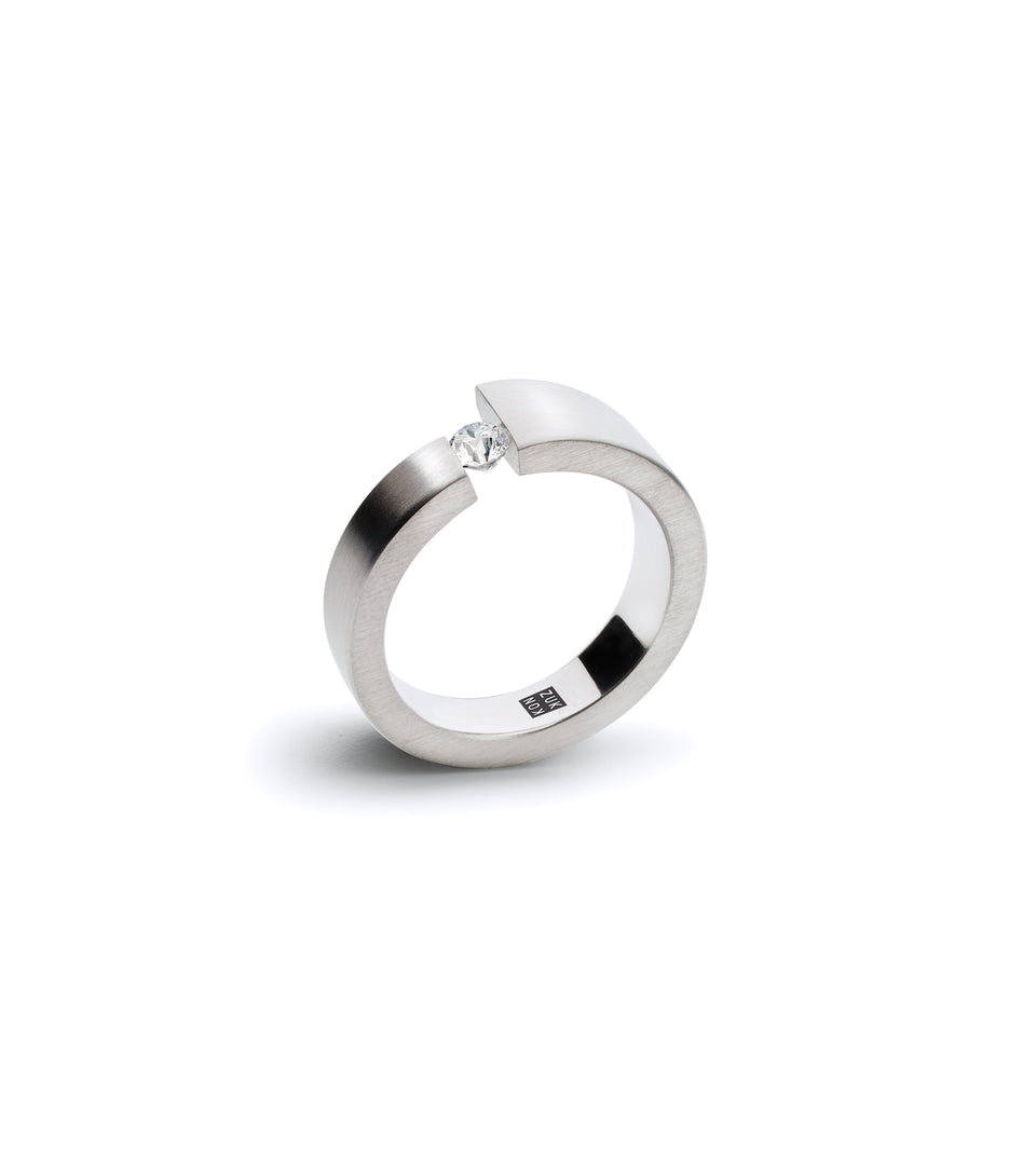 KMr179d Facet Engagement Ring