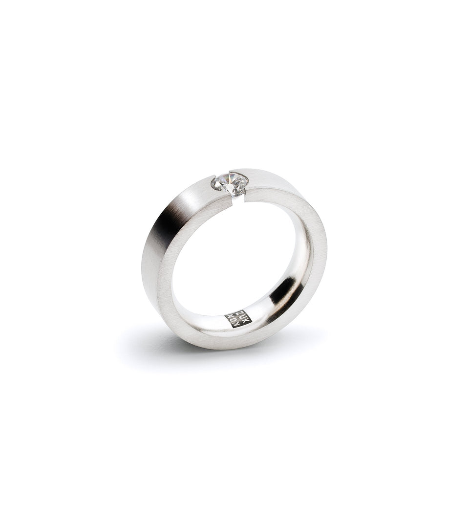 KMr188d Facet Engagement Ring