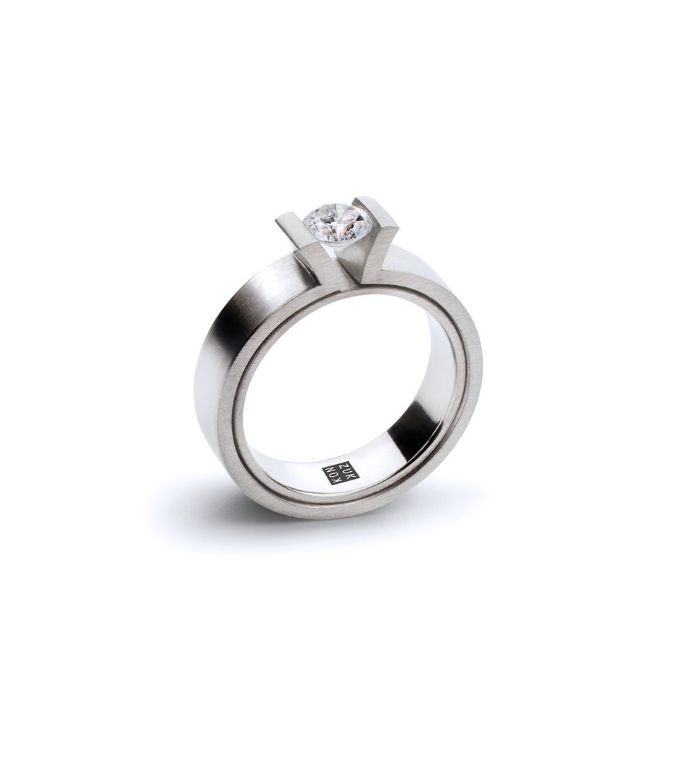 KMr189d Facet Engagement Ring