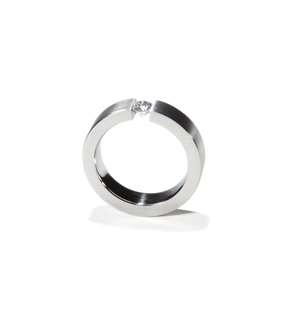 KMr163d Facet Engagement Ring