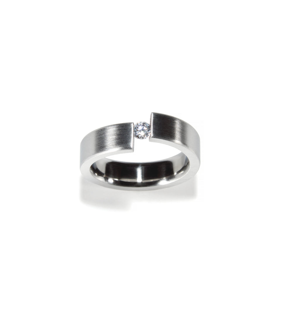 KMr149d Facet Engagement Ring