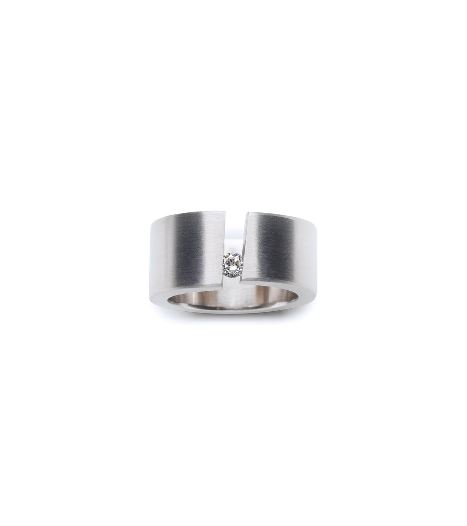 KMr178d Facet Engagement Ring