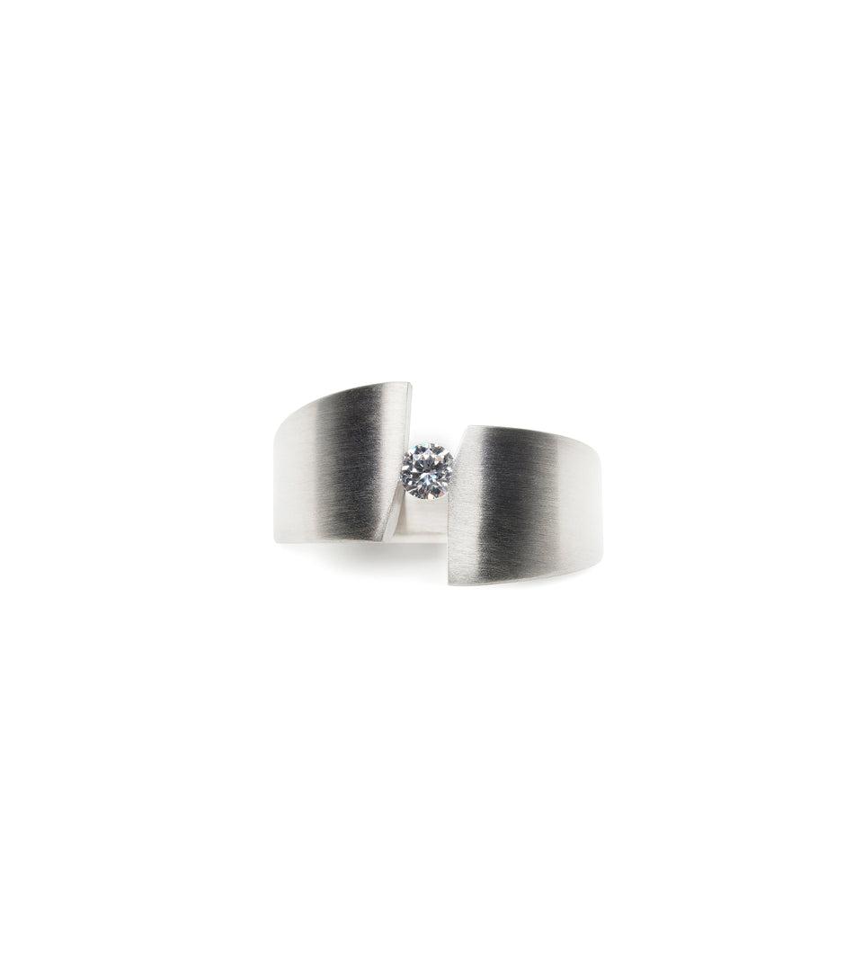 KMr180d Facet Engagement Ring