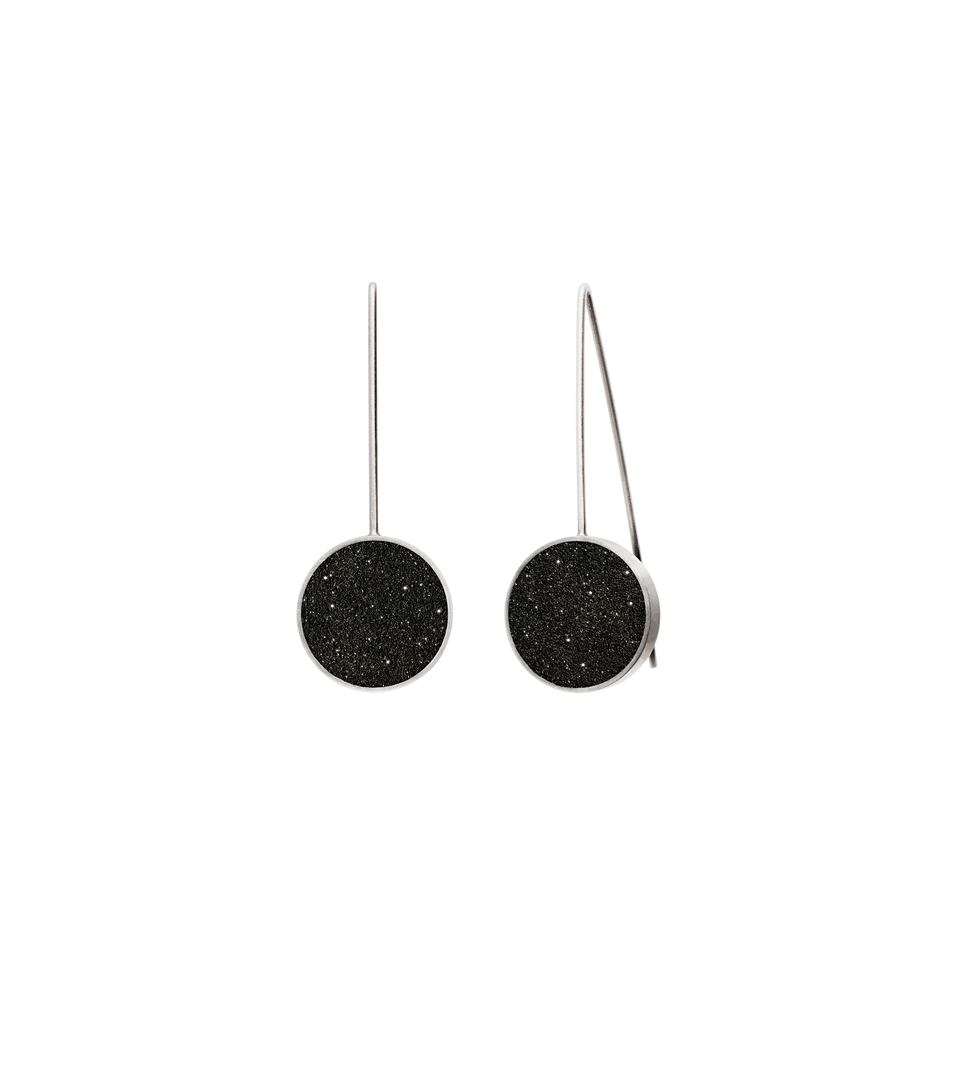 The Musica Minor concrete earrings with the sparkle of diamond dust achieve minimalist beauty with modernist jewelry design.