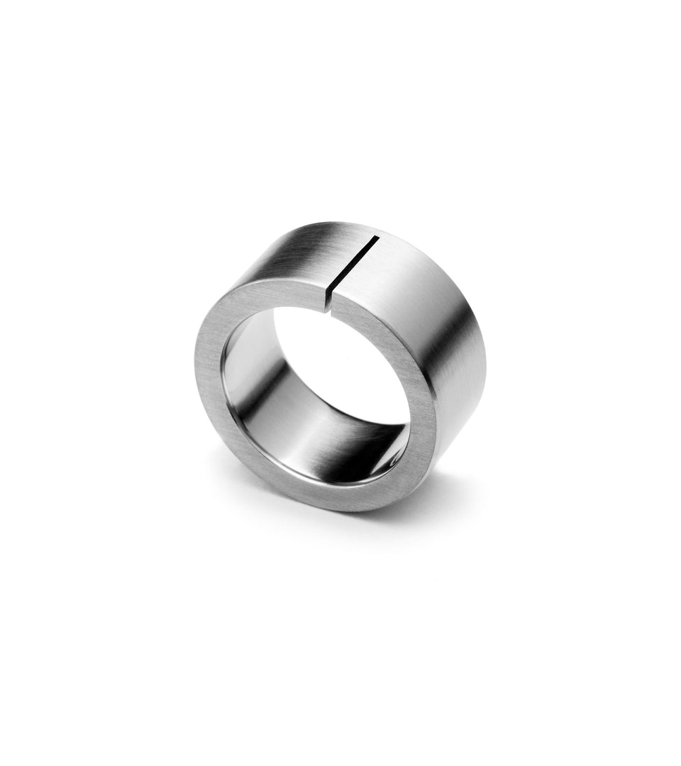 KMr134 Union Wedding Ring