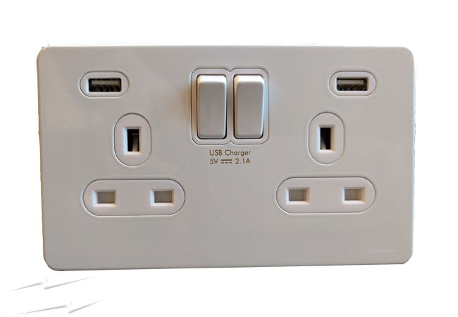 2GANG 13A SWITCHED SOCKET C/W 2 USB CHROME  Product Code: 21440