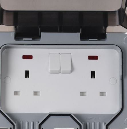 TWIN SWITCHED SOCKET IP RATED