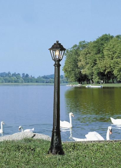 Fumagalli Artu Anna Lamp Post Garden Light  The Artu Anna black outdoor lamp post with clear glass makes your garden look absolutely stunning, with classic lighting effects.