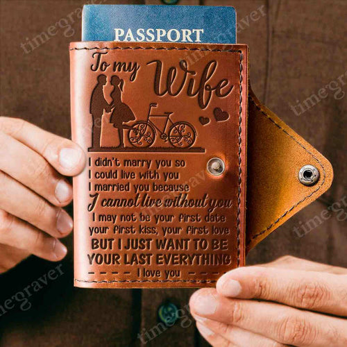 ZD2318 - First Kiss - Passport Cover