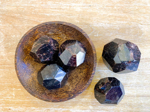 Garnet Faceted Free Form