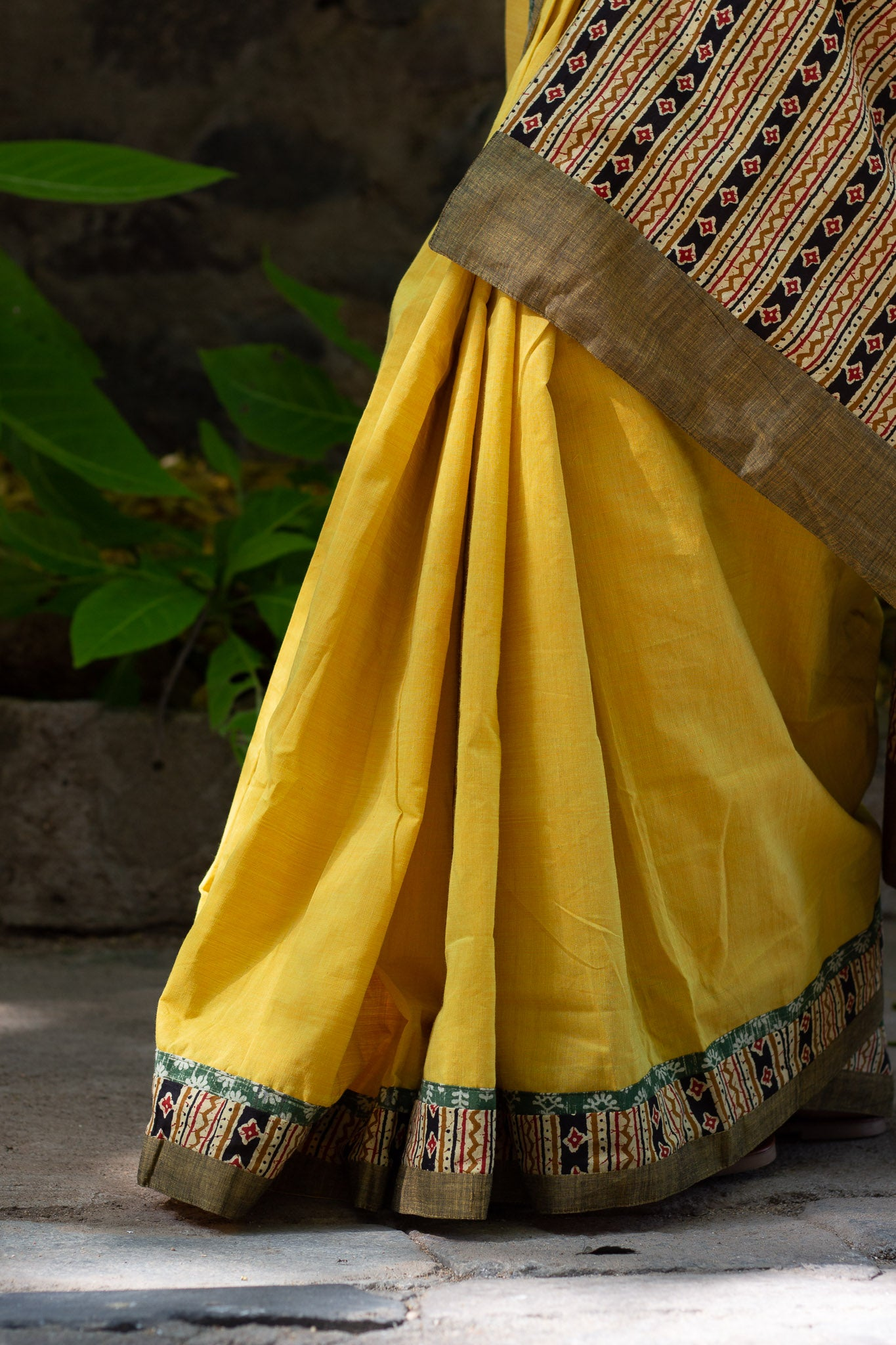 Bottom pleats with Pallu design