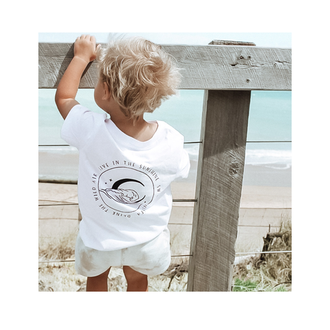 Live in the sunshine basic tee