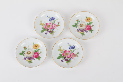 SET OF SMALL ROSENTHAL PORCELAIN PLATES WITH HAND-PAINTED FLOWERS