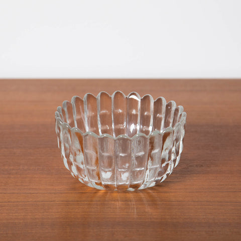 THICK TRANSPARENT GLASS DAISY-SHAPED BOWL