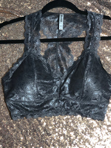 Sweetheart padded lace bralette