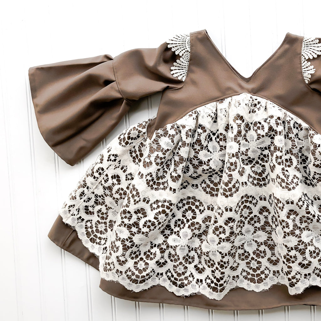 (winslow} in mocca lace // made to order