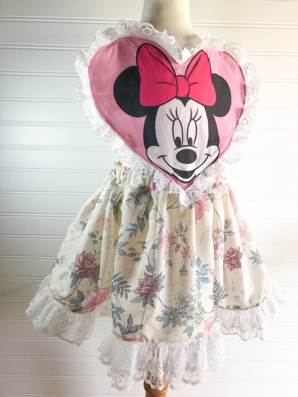{minnie} heart pinnie // ready to ship // size 4T