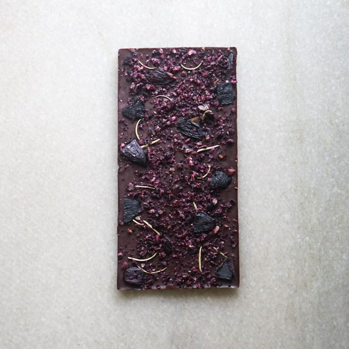NAVILUNA 72% Jamun & Rosemary Chocolate Bar