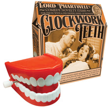 Clockwork Wind Up Chattering Teeth