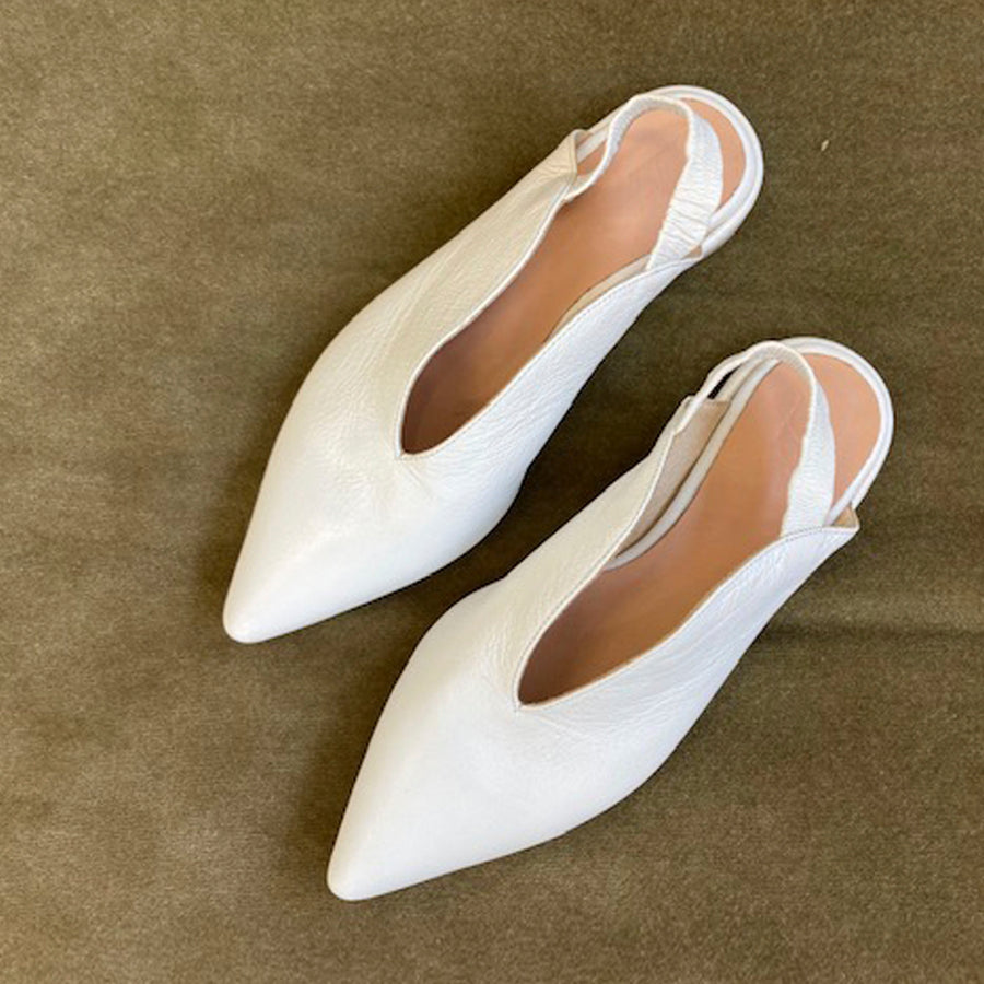 BILLIE FLATS WHITE