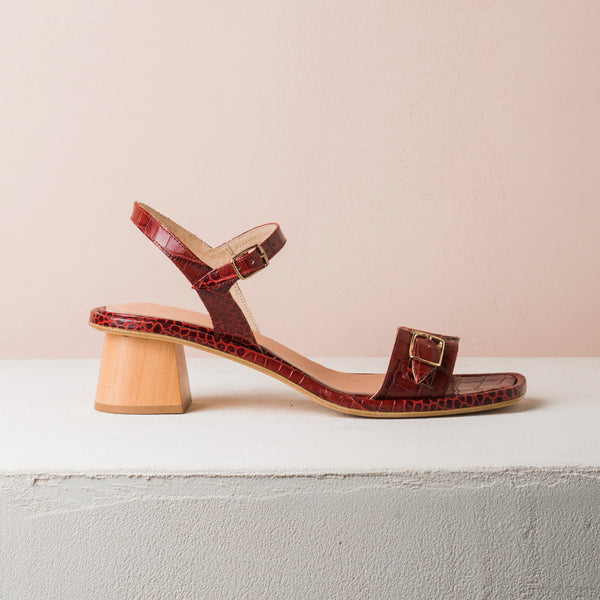 TERRA SUN Bordeaux croc sandals - house-of-lax