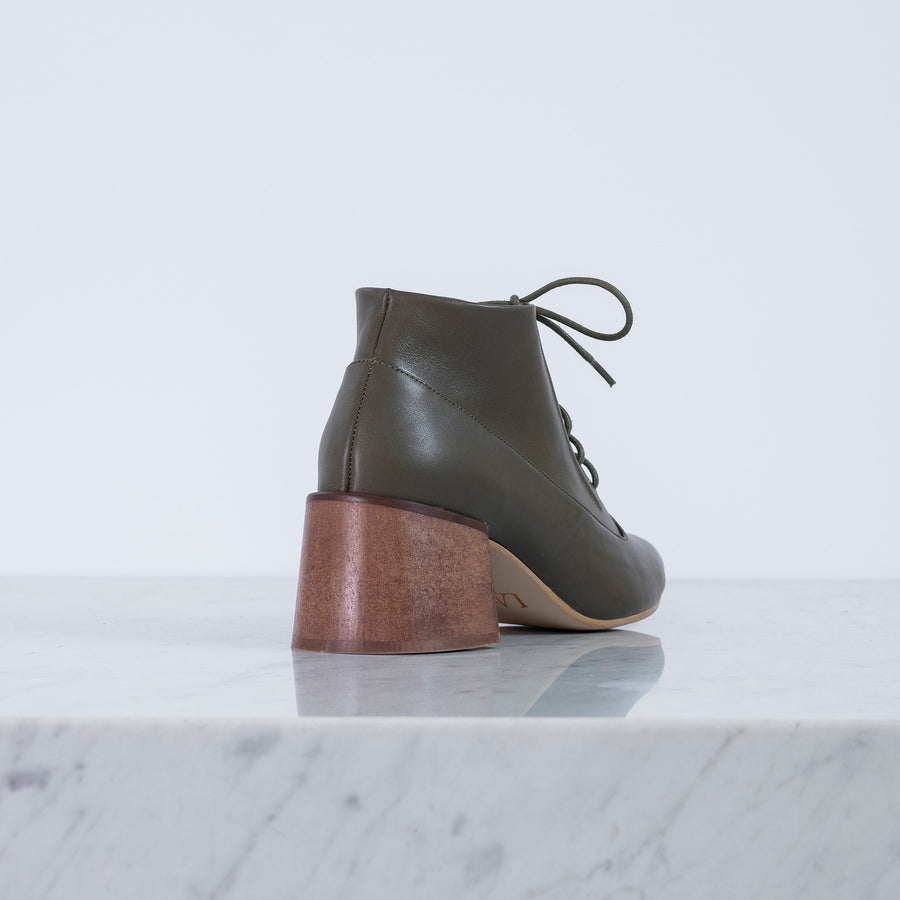 Andre Lace up Olive