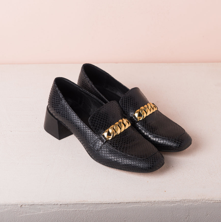 FRANCIS Gold chain loafers Black snake