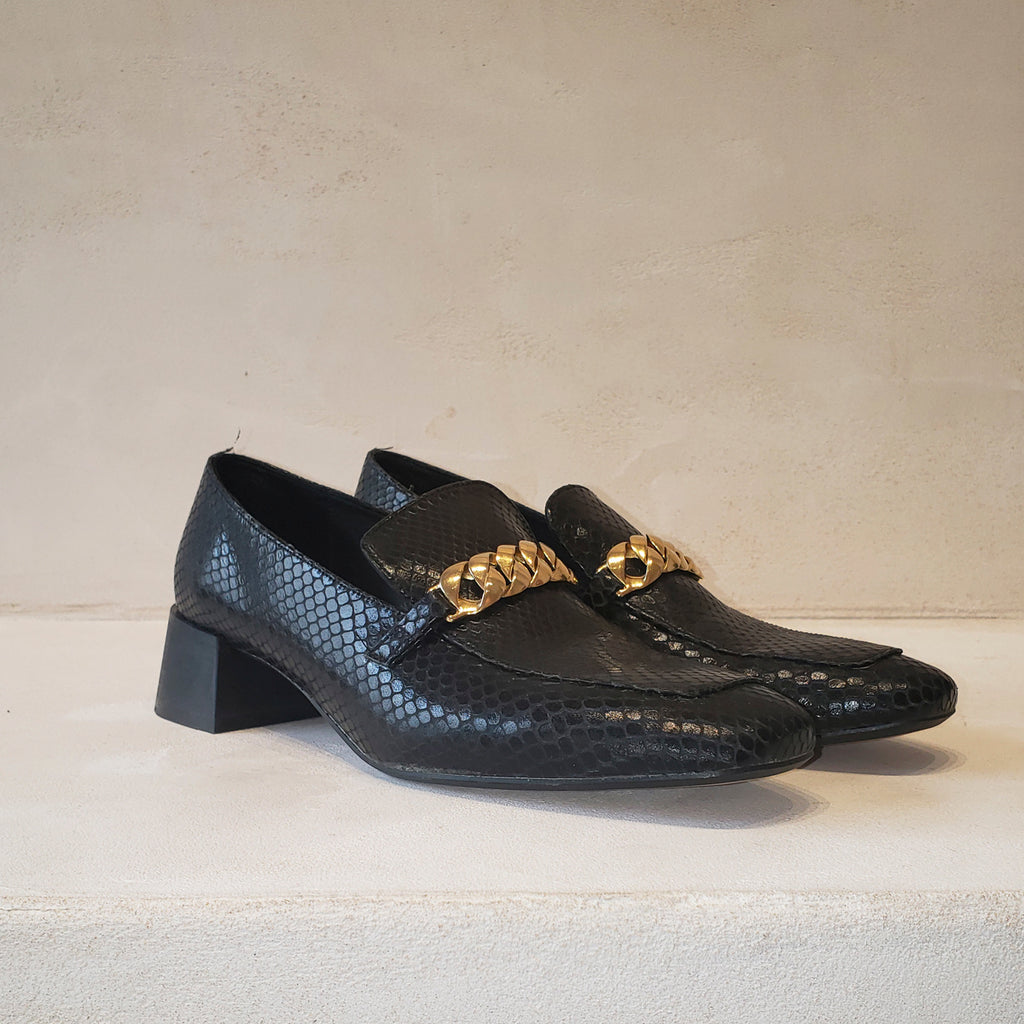 FRANCIS Gold chain loafers