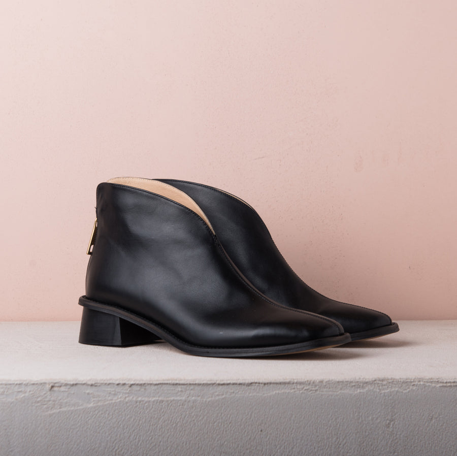 WING BOOTS black