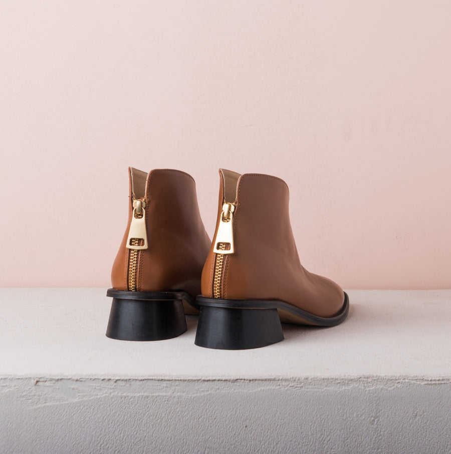 WING BOOTS camel