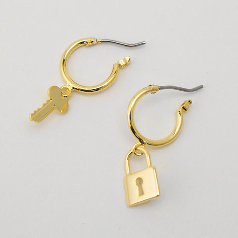 LOCK IT DOWN - Earrings
