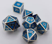 Load image into Gallery viewer, Thai Metal Blue Silver Dice (Talis Evolvere)