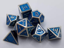 Load image into Gallery viewer, Kanji Metal Blue Silver Dice (Talis Evolvere)