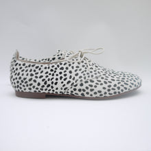 Load image into Gallery viewer, MUMMA OCELOT OXFORD (SALE RRP $140) LAST SIZES 36, 40, 42